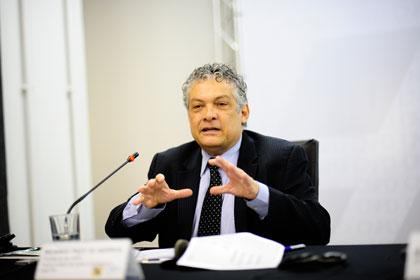 Paes de Barros: De BNDES à Bolsa Família