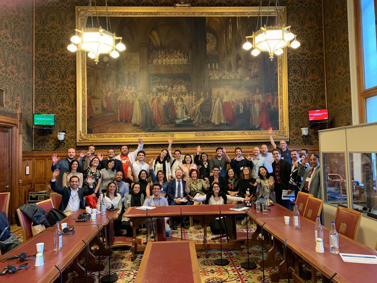Líderes MLG no Parlamento de Londres