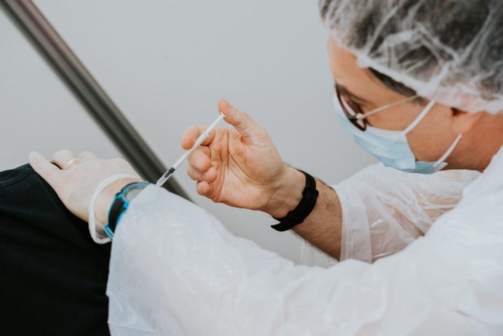 fiocruz-e-butantan-como-se-consolidaram-as-instituicoes-chave-na-producao-de-vacinas-no-brasil